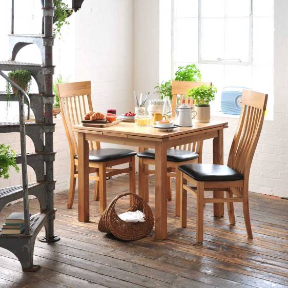 Light Oak 90-155cm Ext. Table and 4 Shaker Chairs